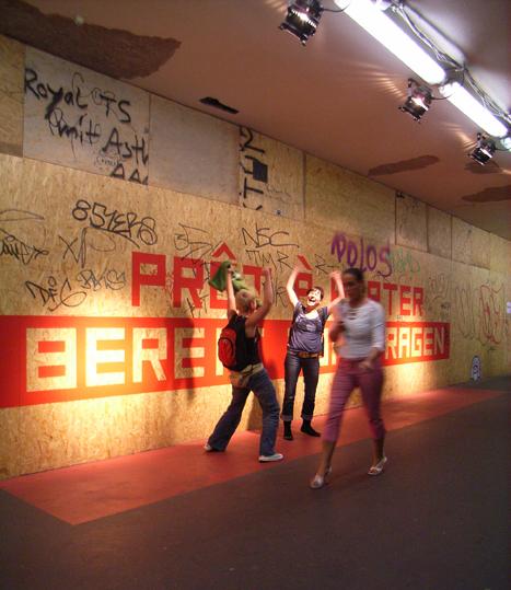 http://www.heikehamann.de/files/gimgs/78_pret-a-porter11-participatory-interventions-heike-hamann.jpg
